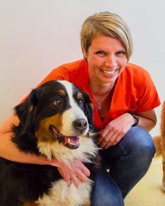 Assistente Joyce met Berner Sennenhond, Dierenarts Arnhem